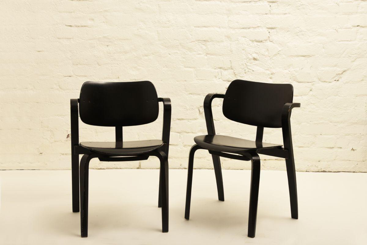 Tapiovaara-Ilmari_Aslak-chair-black