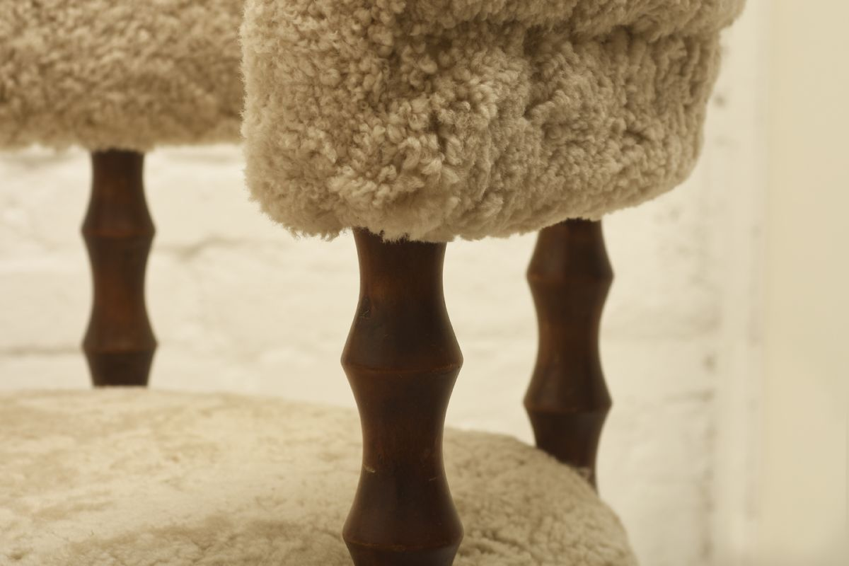 Saarinen-Eliel_Chair-Lamb-skin_detail3