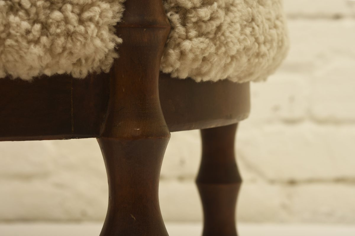 Saarinen-Eliel_Chair-Lamb-skin_detail4