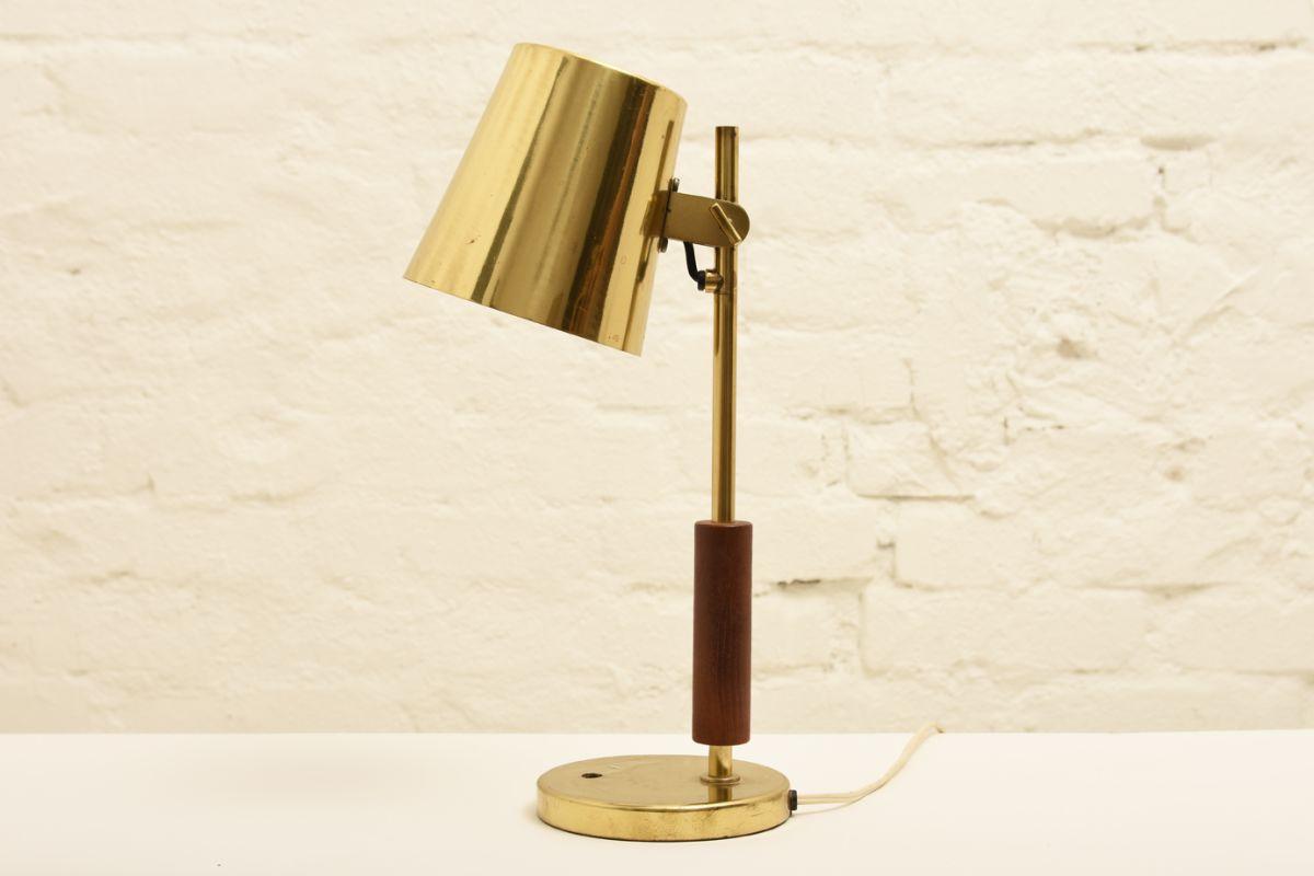 Tynell-Paavo_Table-Lamp-hotel-vaakuna