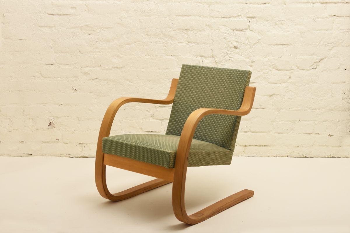 Aalto-Alvar_chair-402-old-green
