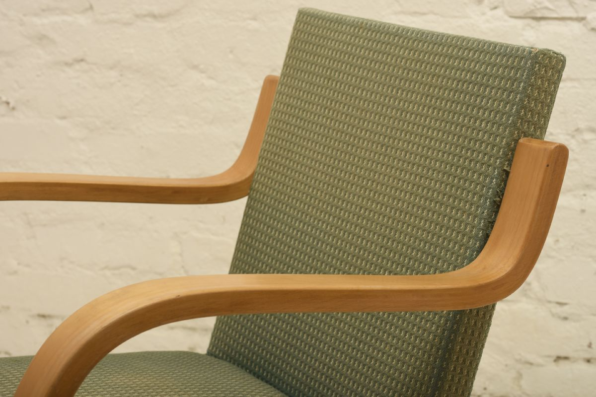 Aalto-Alvar_chair-402-old-green_detail1