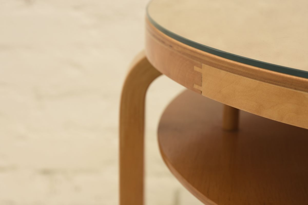 Aalto-Alvar_Club-table-big-glass-top_detail1