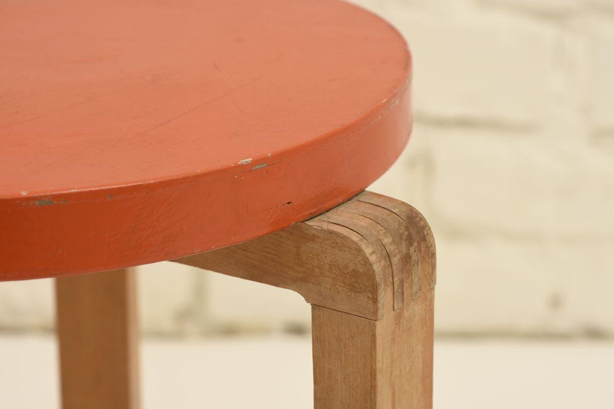 Aalto-Alvar_Stool2_Finger_Joint_detail1