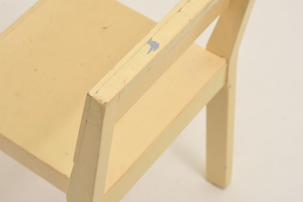 Kids-Chair-Wood-Yellow_detail1