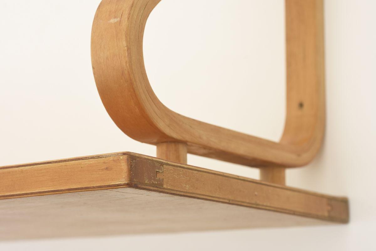 Aalto-Alvar-Wall-Shelf_detail2