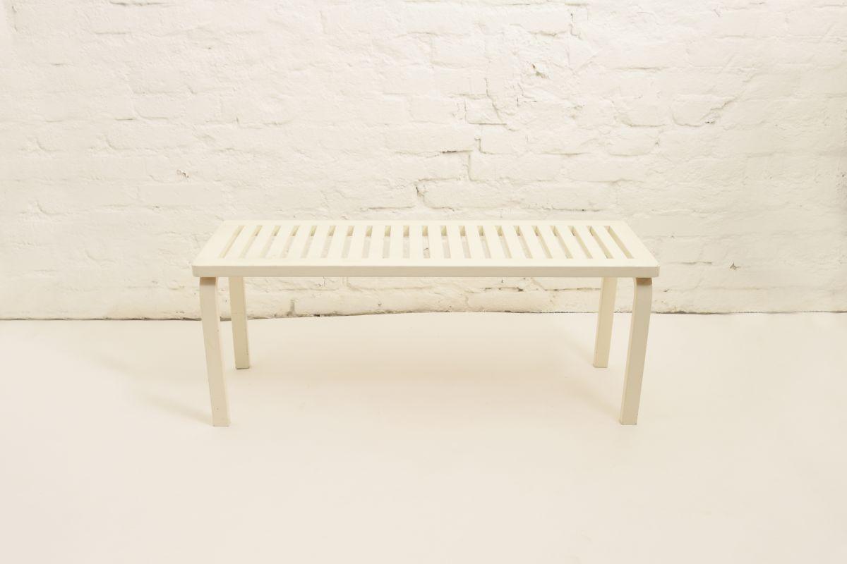Aalto-Alvar-Bench153-white_high_res