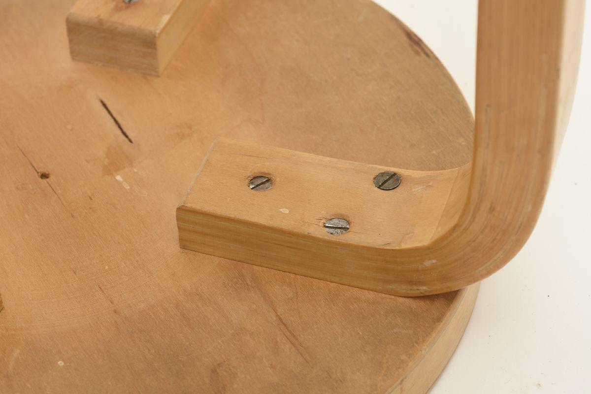 Aalto-Alvar-Stool-E60-h50_detail3