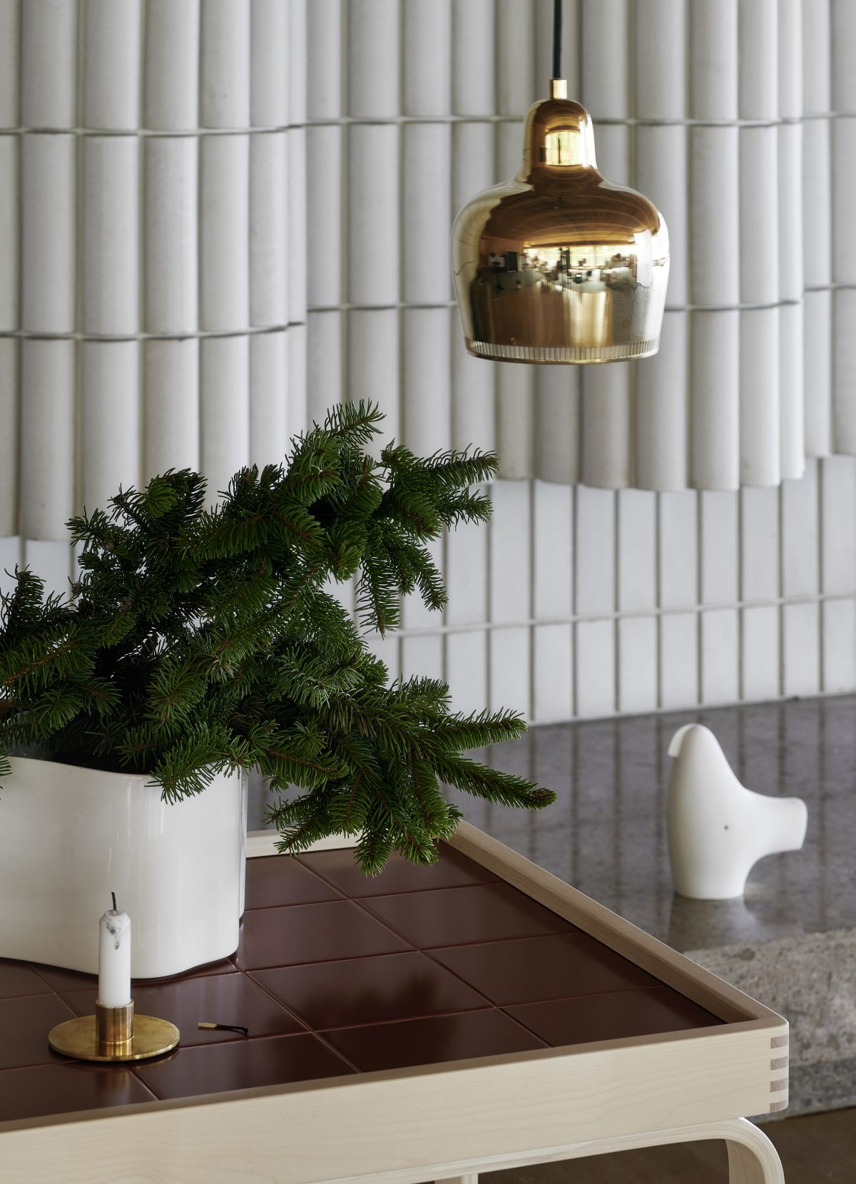 Riihitie-Plant-Pot-B-White-Teatrolley-900-Pendant-Light-A330S-Golden-Bell-Savoy-1980200