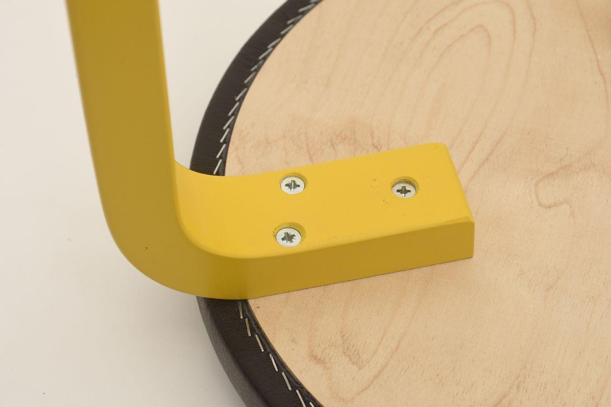 Aalto-Alvar-Stool60-Black-Leather_detail2