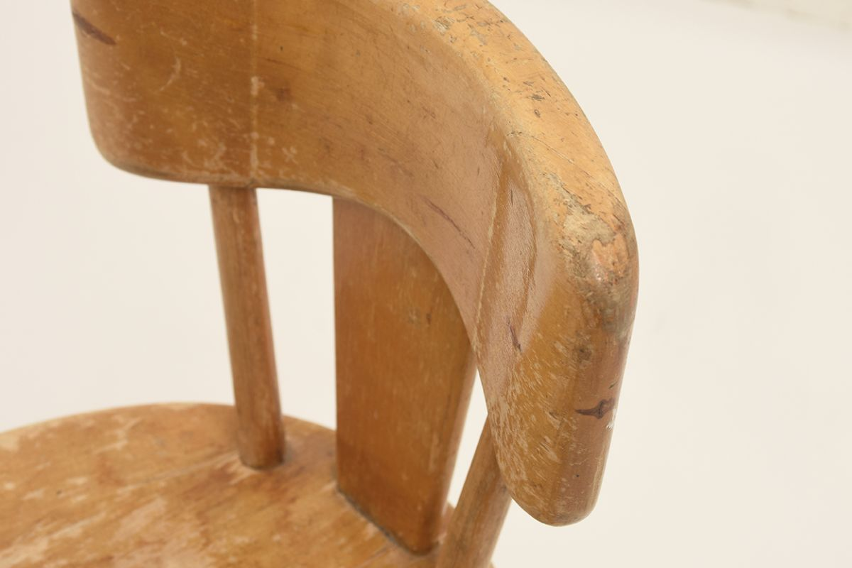 Solidwood-Kids-Chair_detail1