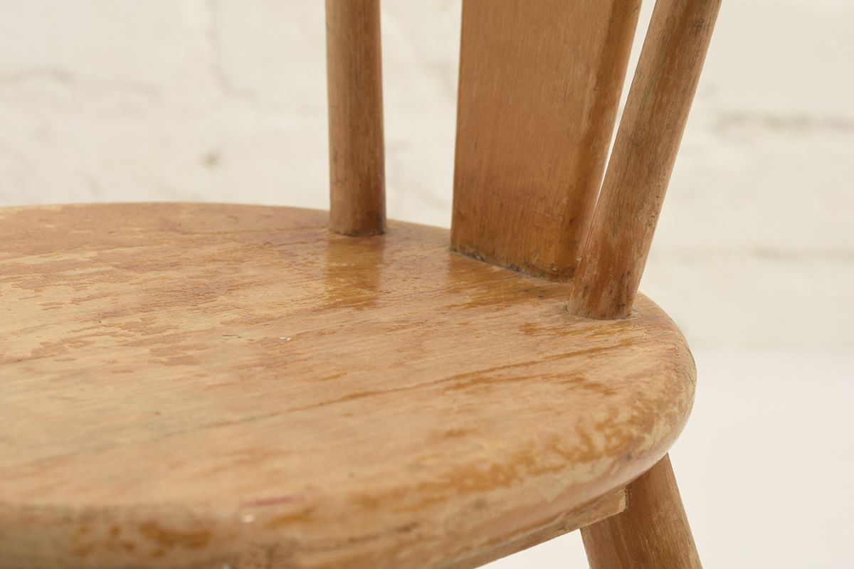 Solidwood-Kids-Chair_detail2