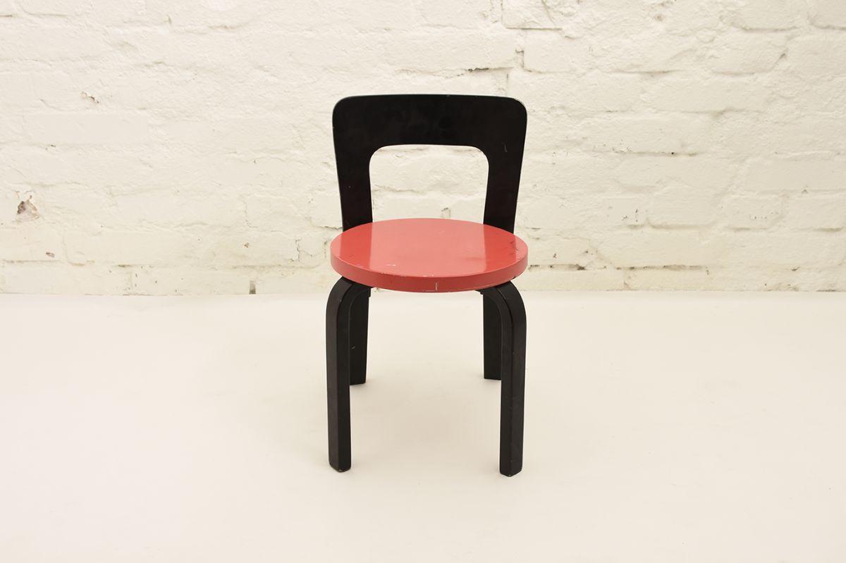 Aalto-Alvar-N65-black-red