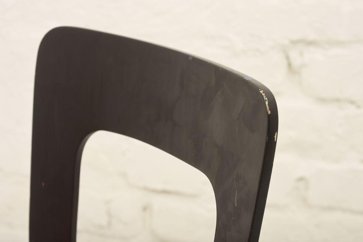 Aalto-Alvar-N65-black-red_detail1