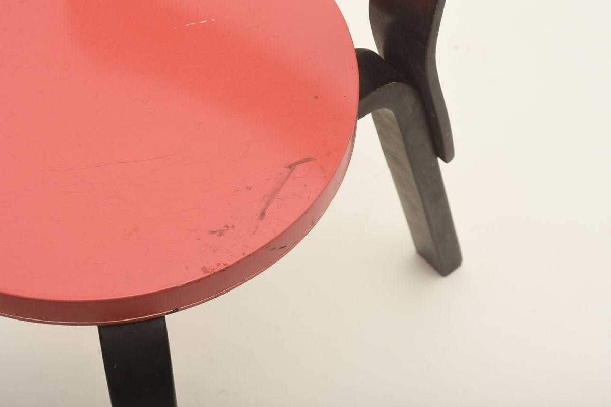 Aalto-Alvar-N65-black-red_detail2