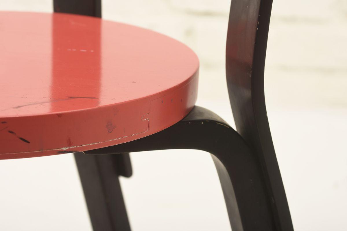Aalto-Alvar-N65-black-red_detail3