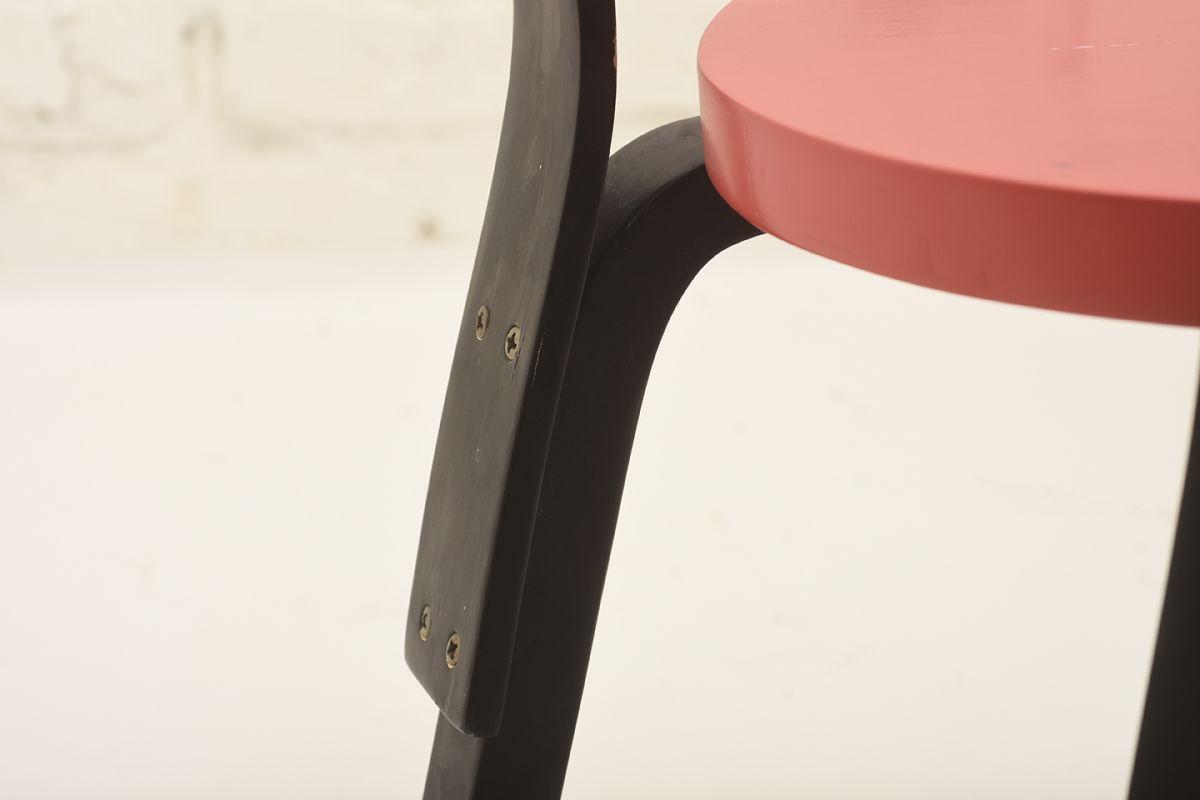 Aalto-Alvar-N65-black-red_detail4