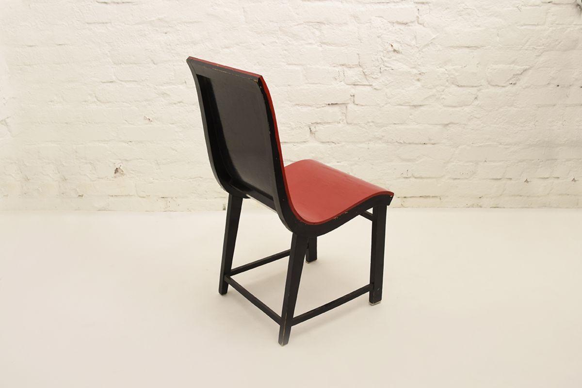 Toivonen-Eevert-Red-Chair_back