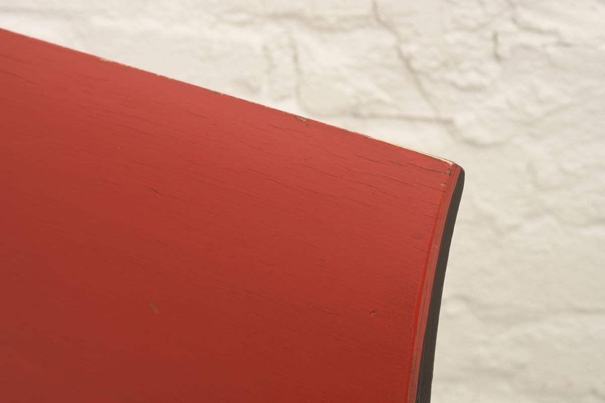 Toivonen-Eevert-Red-Chair_detai1