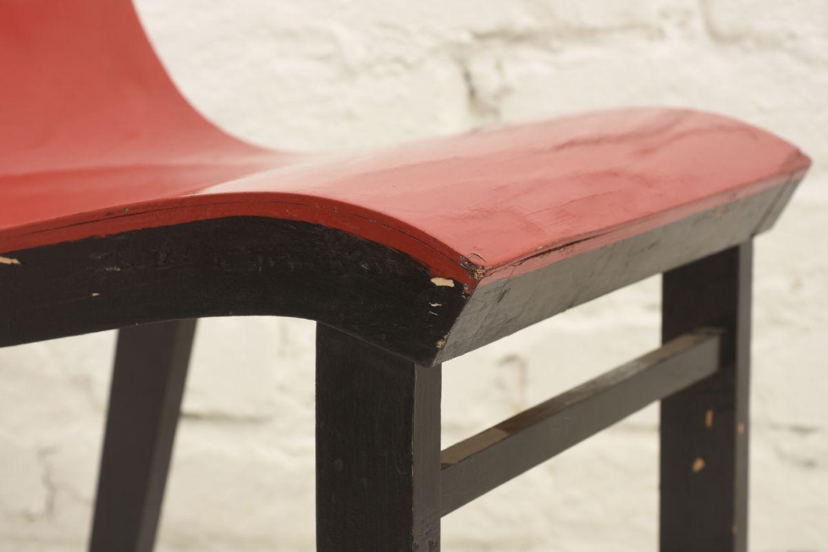 Toivonen-Eevert-Red-Chair_detai4
