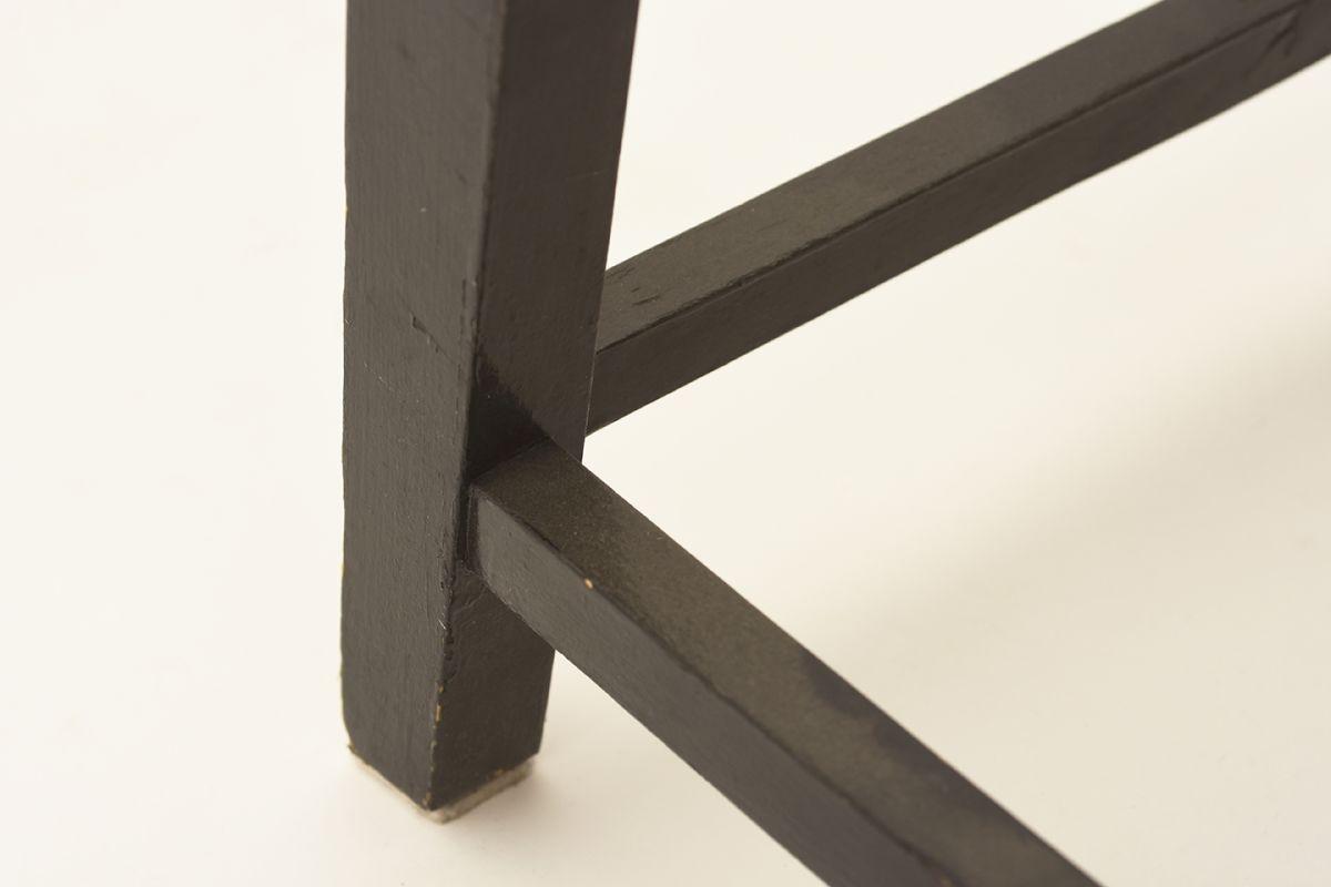 Toivonen-Eevert-Red-Chair_detai5