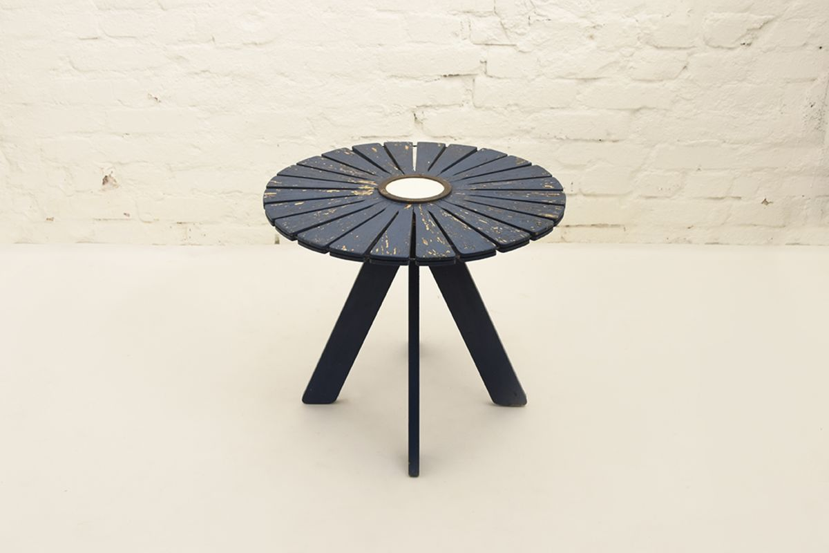 Aalto-Alvar-Sunflower-Garden-Table-blue
