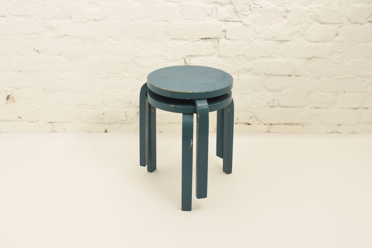 Aalto-Alvar-Stool60-turquoise-blue_set