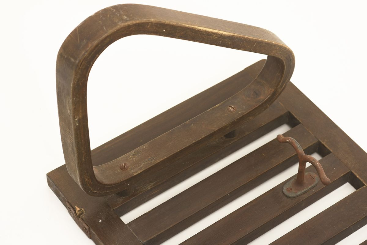 Aalto-Alvar-Early-Coat-Rack-dark-lacquered_detail4