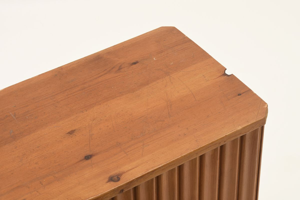 Anonymous-Flower-Table-pine_detail2