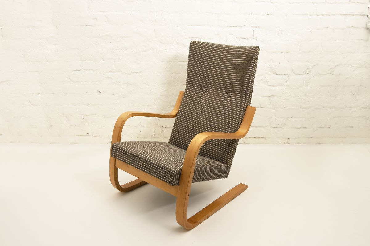Aalto-Alvar-401-Armchair-gray-stripes