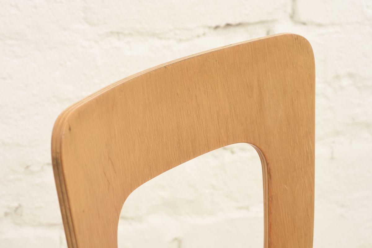 Aalto-Alvar-Chair65-Red-Linolium_detail1