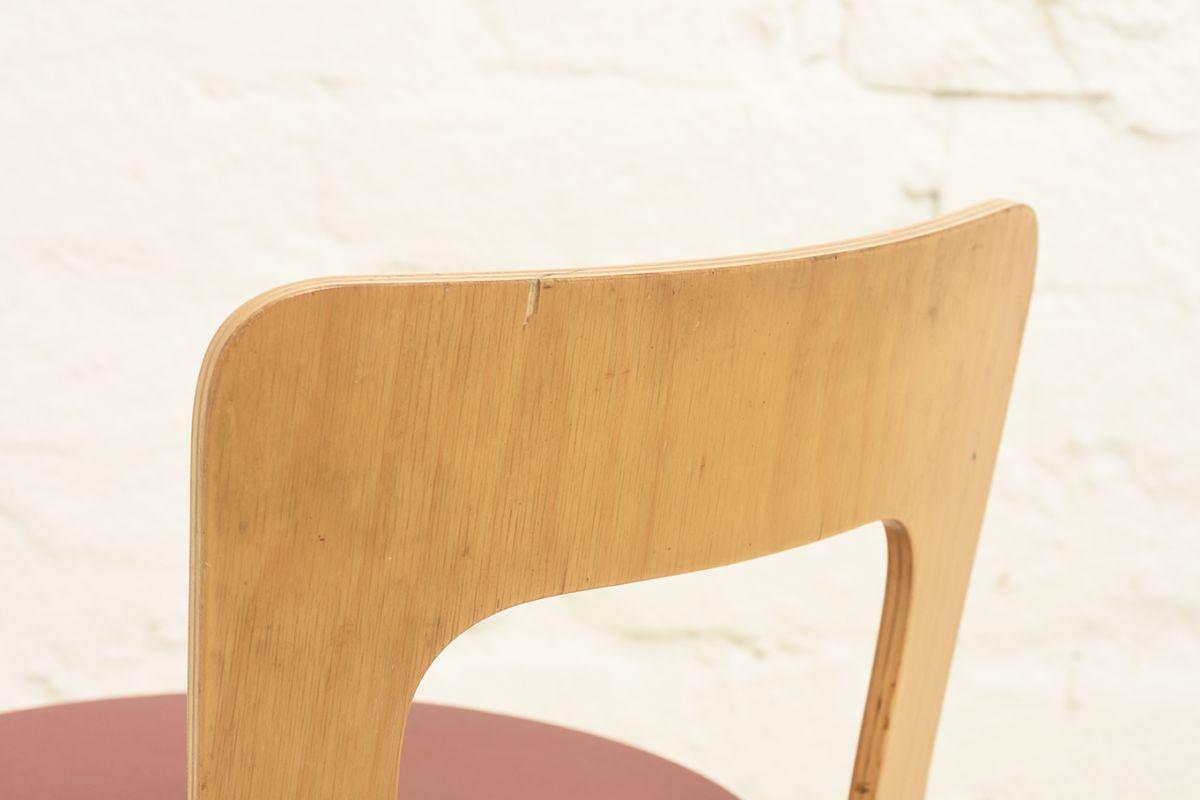 Aalto-Alvar-Chair65-Red-Linolium_detail2