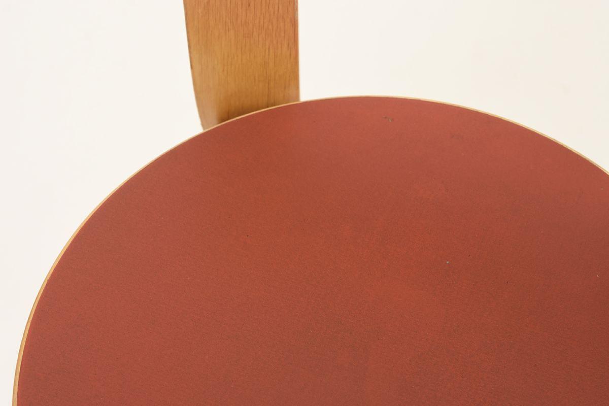 Aalto-Alvar-Chair65-Red-Linolium_detail3