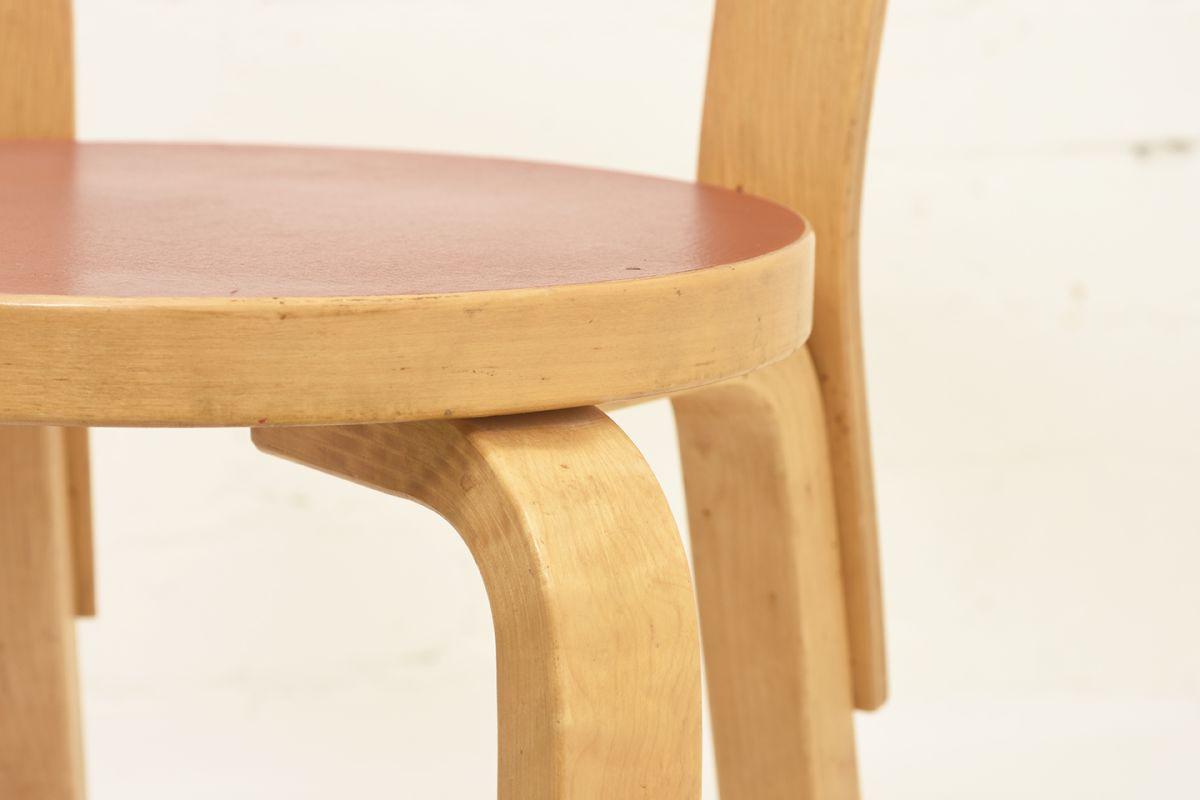 Aalto-Alvar-Chair65-Red-Linolium_detail5