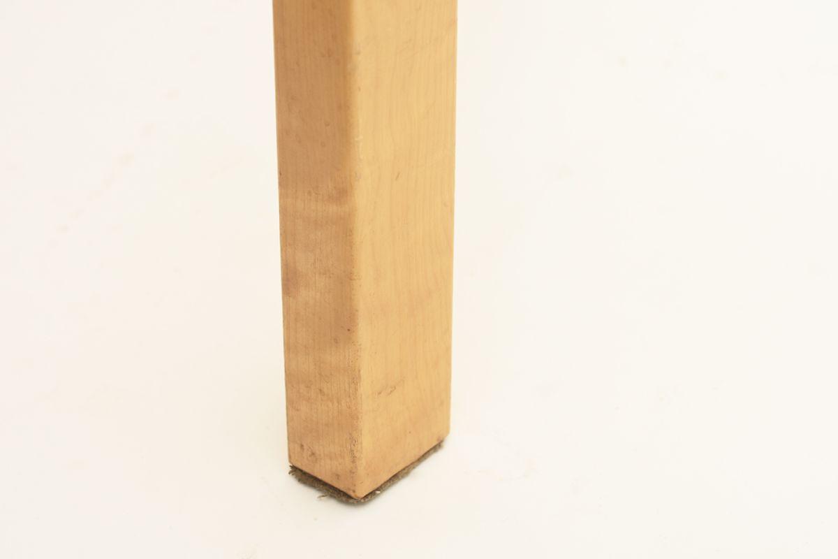 Aalto-Alvar-Chair65-Red-Linolium_detail6