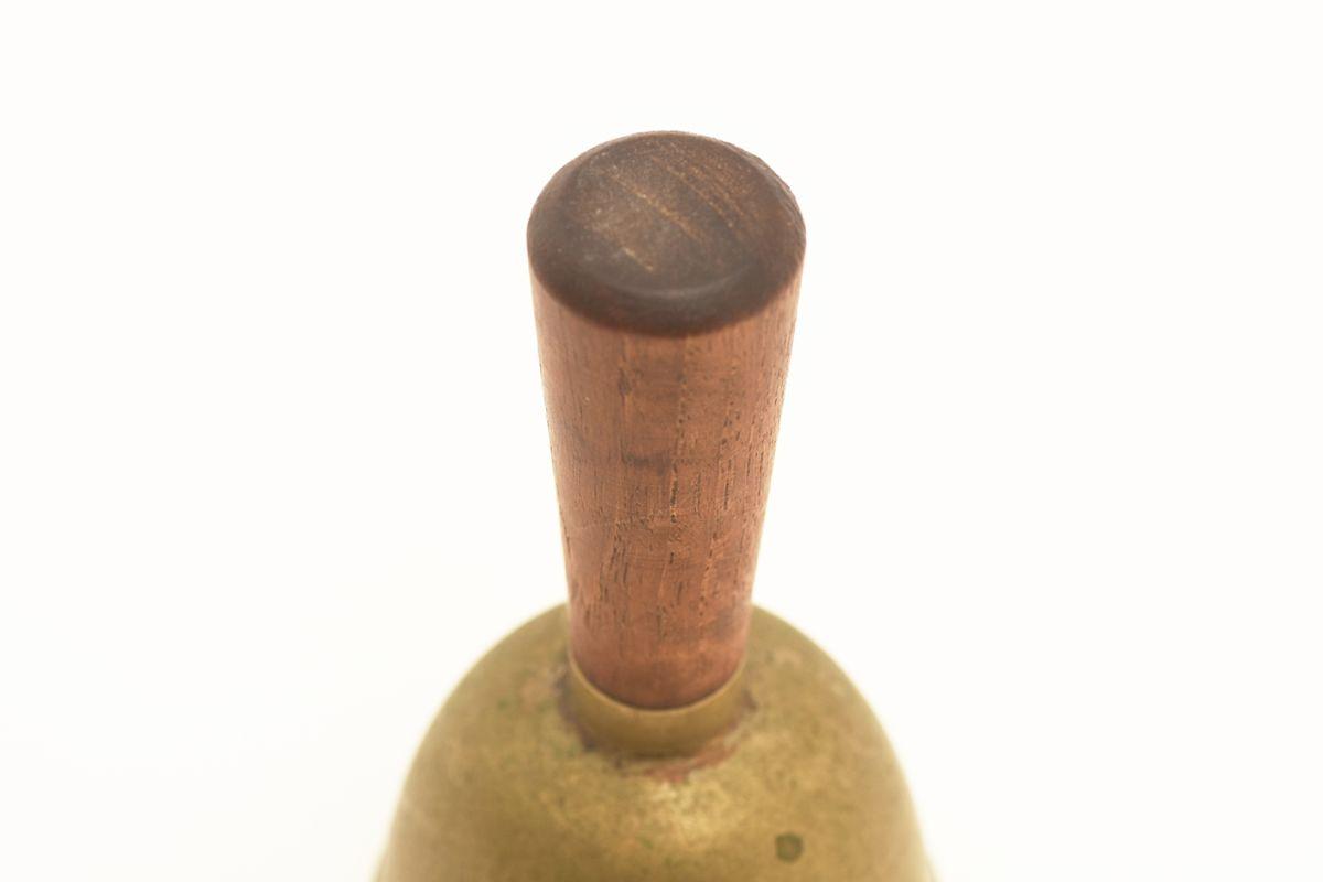 Gardberg-Berter-Hand-Bell_detail1