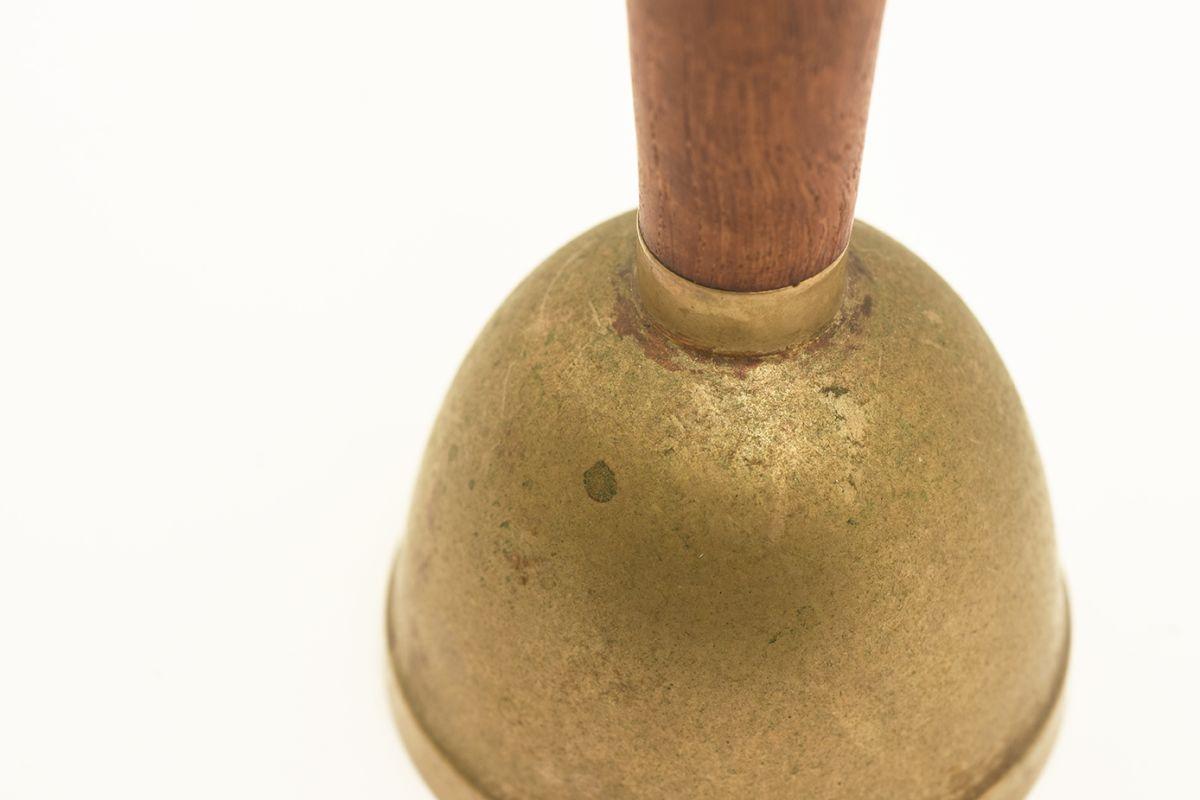 Gardberg-Berter-Hand-Bell_detail2