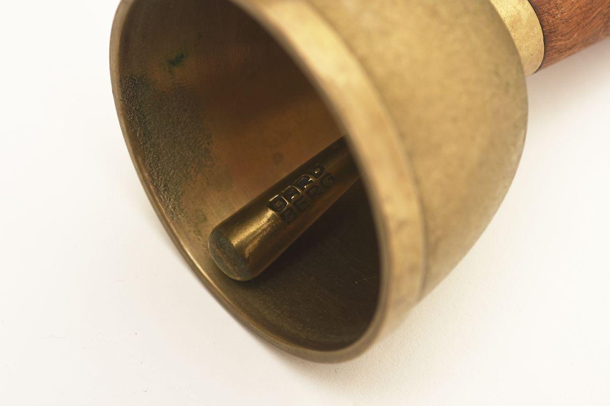 Gardberg-Berter-Hand-Bell_detail4