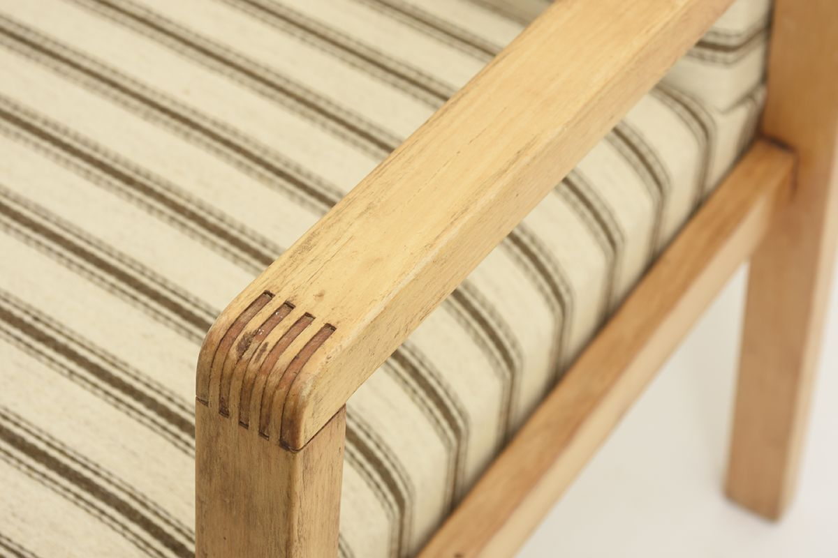 Aalto-Alvar-Early-Hallway-Chair-Wool_detail3