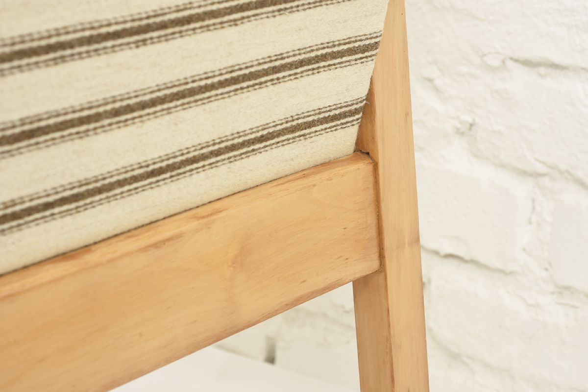 Aalto-Alvar-Early-Hallway-Chair-Wool_detail4