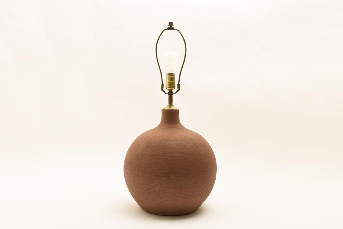 Anonymous-Massive-Ceramic-Table-Lamp_frame