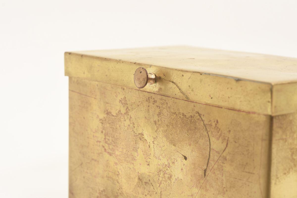Tynell-Paavo-Brass-Box-Lidded_detail2