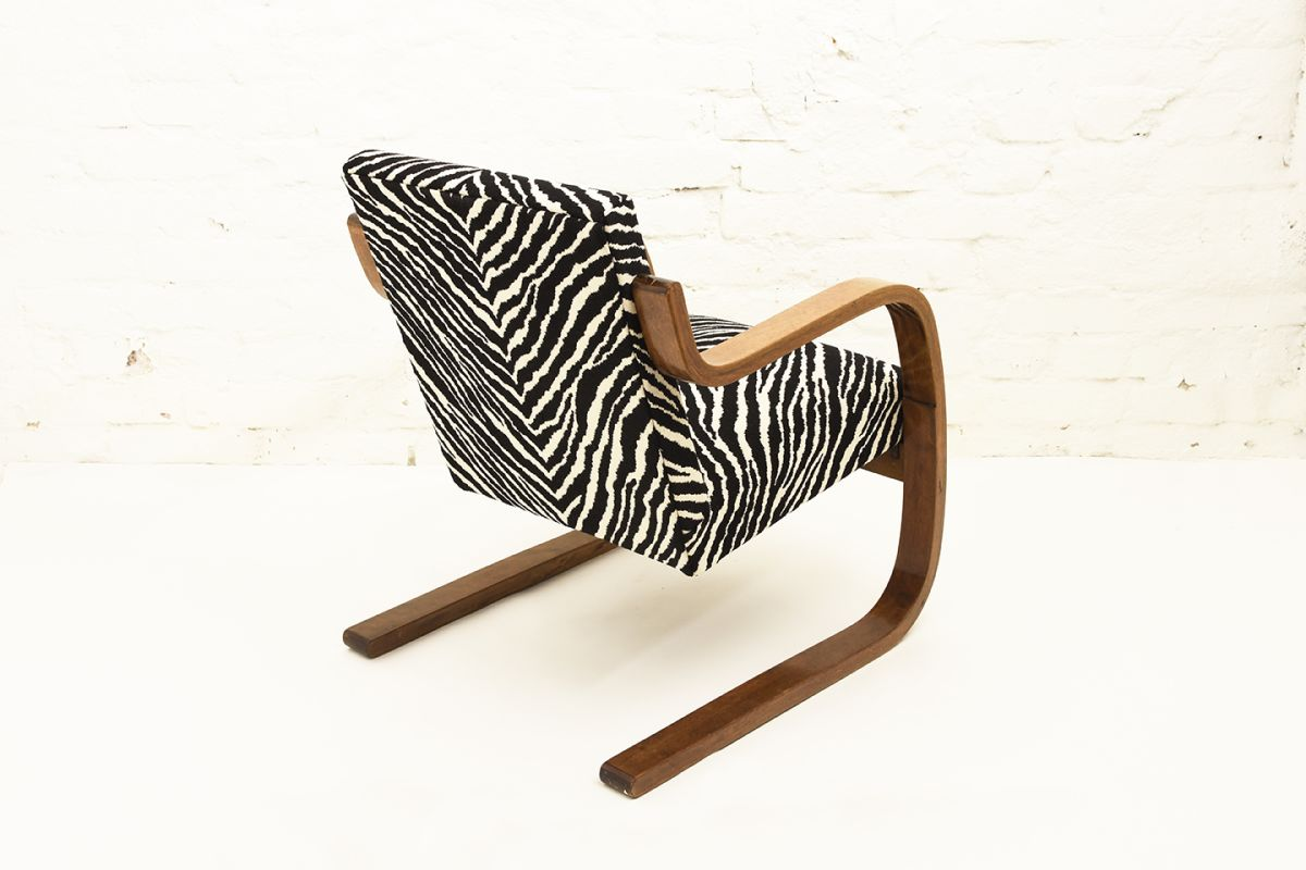 Aalto-Alvar-Armchair-402-Zebra_back