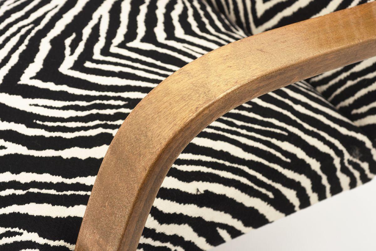 Aalto-Alvar-Armchair-402-Zebra_detail3