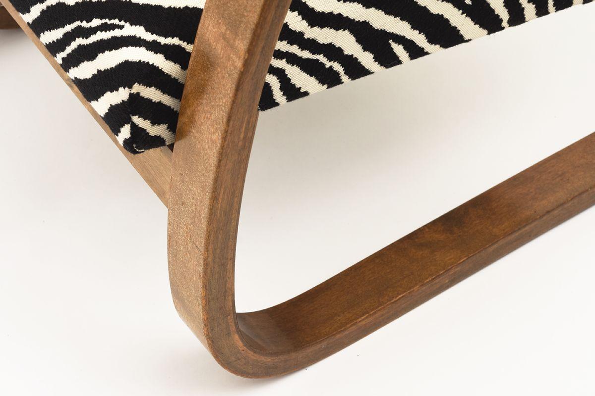 Aalto-Alvar-Armchair-402-Zebra_detail4