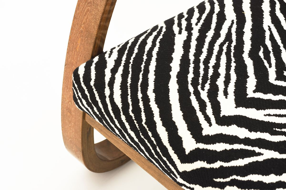 Aalto-Alvar-Armchair-402-Zebra_detail5