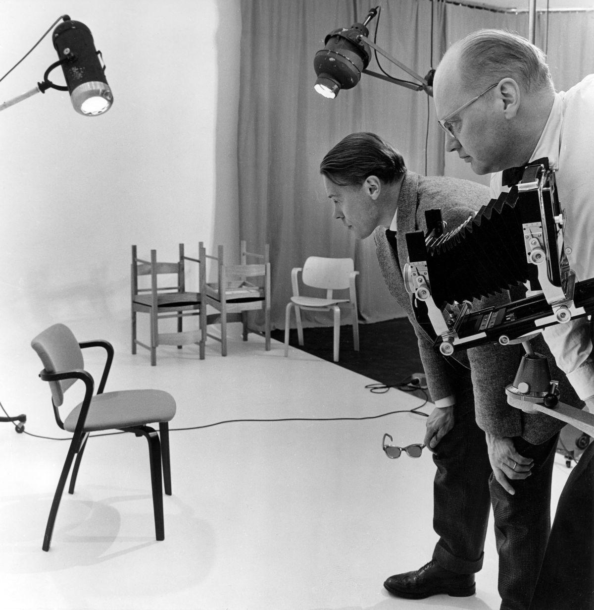 Ilmari_Tapiovaara_Aslak_Chair_1958_photo_Jussi_Pohjakallio_Designmuseum_5