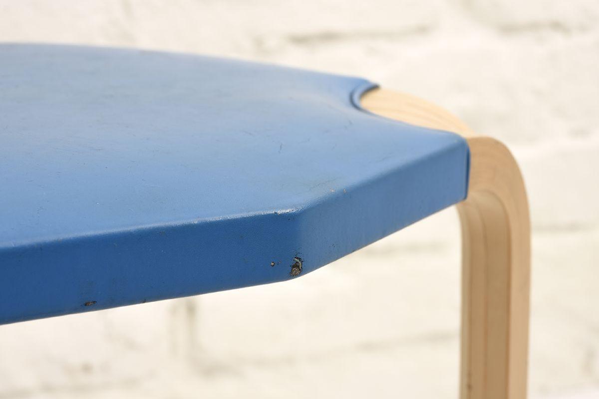 Aalto-Alvar-Stool X-602-Blue_detail2