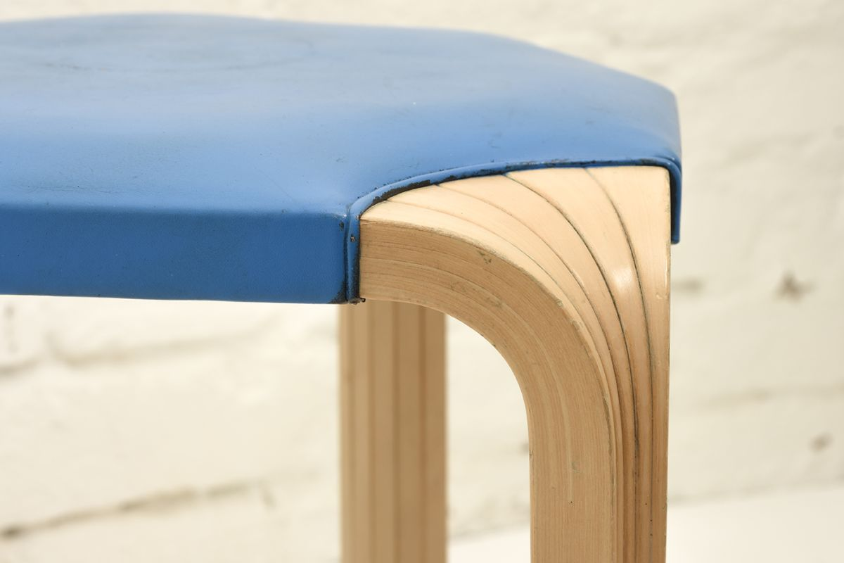 Aalto-Alvar-Stool X-602-Blue_detail3