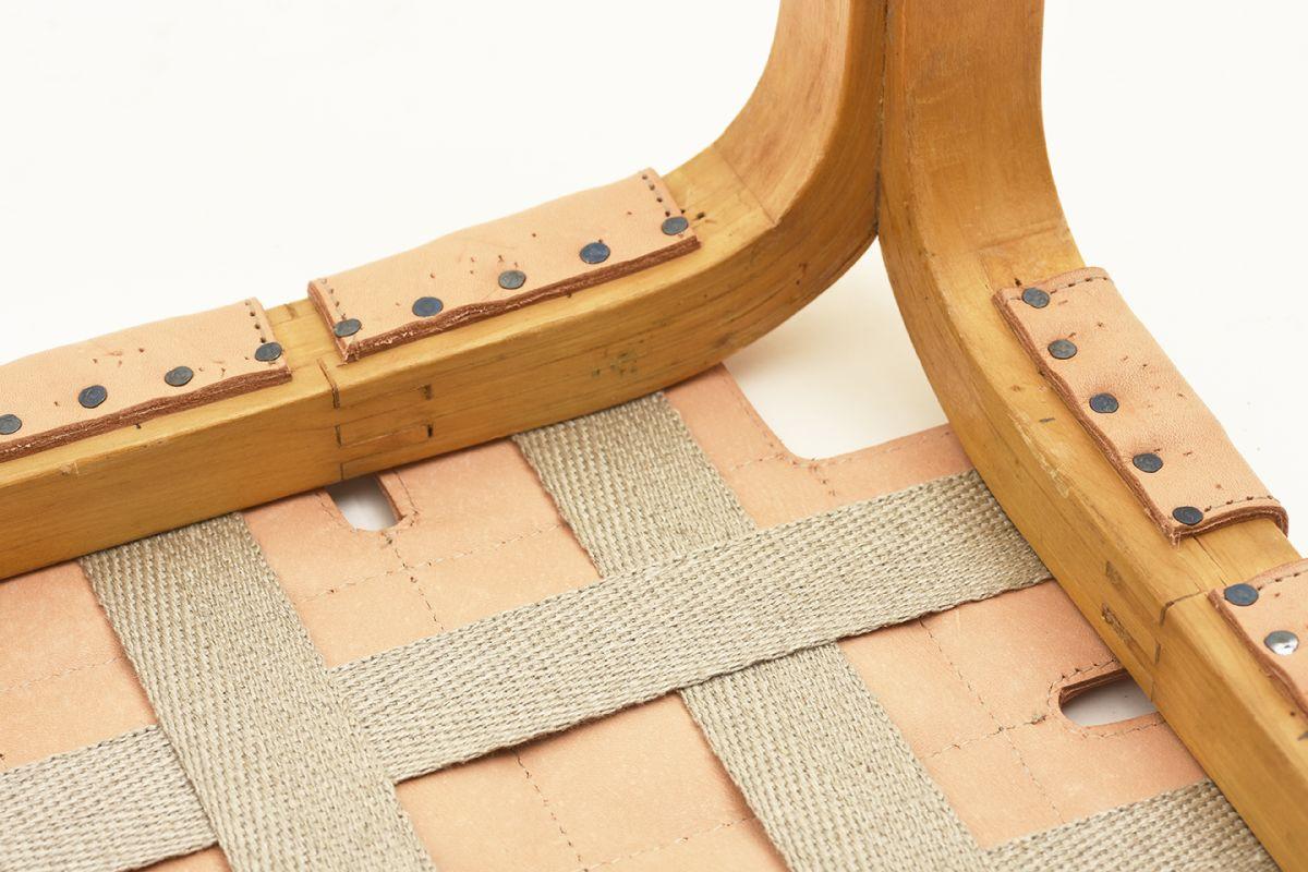 Aalto-Alvar-Stool-Y61-Natural-Leather_detail5